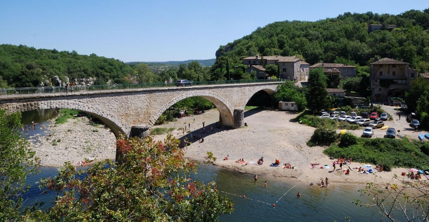 Quel emplacement de camping en Ardèche choisirez-vous à La Grand Terre ?